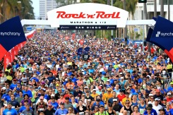 SAN DIEGO, CA - JUNE 03: Competitors leave the start gate during the Synchrony Rock'n'Roll San Diego Marathon on June 3, 2018 in San Diego, California. (Photo by Sean M. Haffey/Getty Images for Rock'n'Roll Marathon )